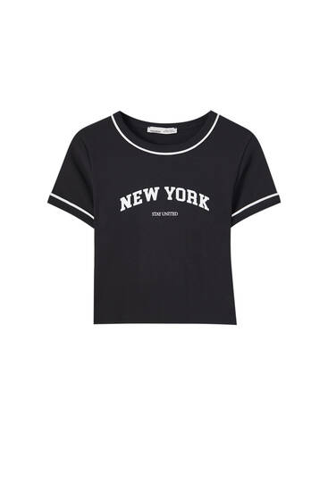 Camiseta college cropped texto