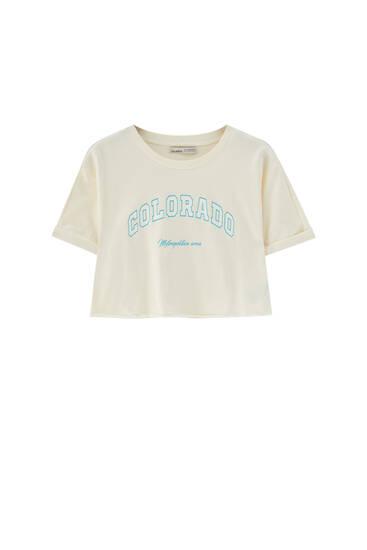 Camiseta cropped college
