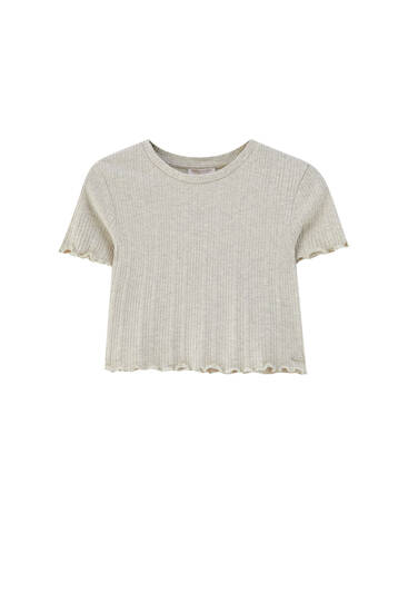 Textured T-shirt with lettuce-edge detail - Contains recycled cotton