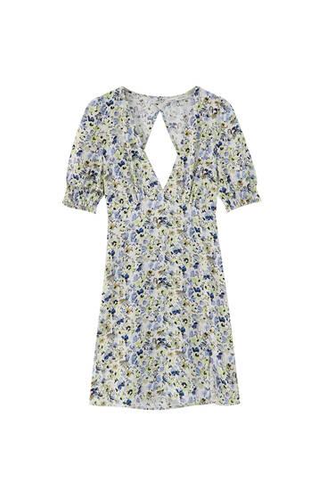Платье мини с принтом и открытой спиной
