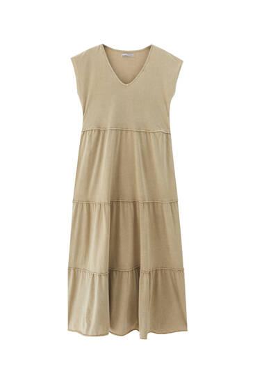 Платье миди с декоративными швами
