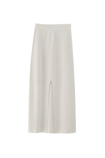 Ribbed midi skirt with a slit