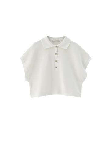 White polo shirt with wide sleeves