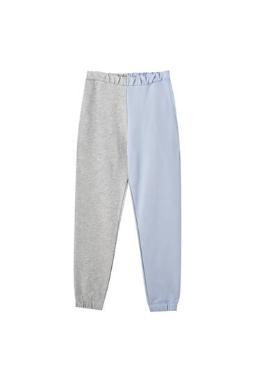 Pantalón jogger color block