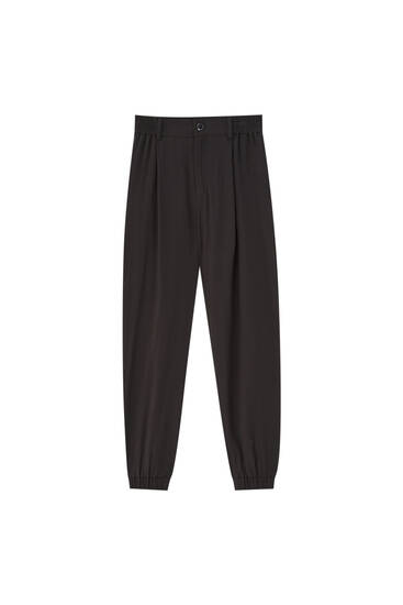 Jogging trousers with elastic waist