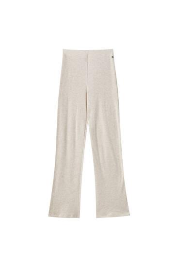 Splývavé žebrované kalhoty měkké na dotek