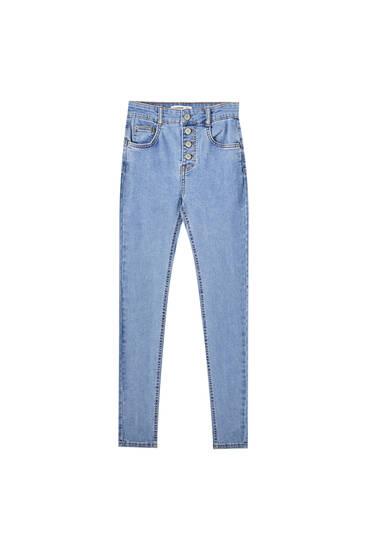 Jeans push up botones delanteros