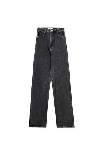 Jeans rectos cut out tiro súper alto