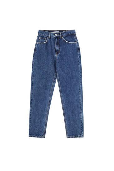 Jeans mom fit básicos