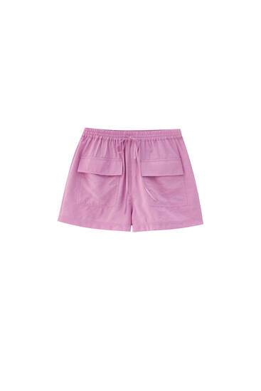 Pink Bermuda shorts with pockets