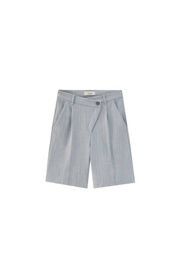 Asymmetric grey Bermuda shorts