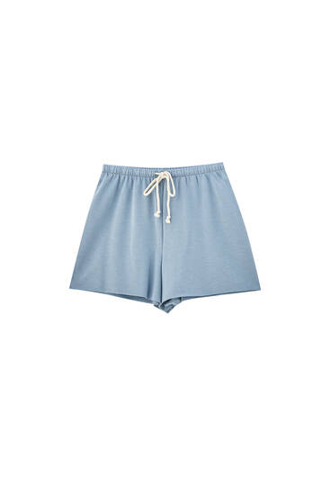 Shorts with contrast drawstrings