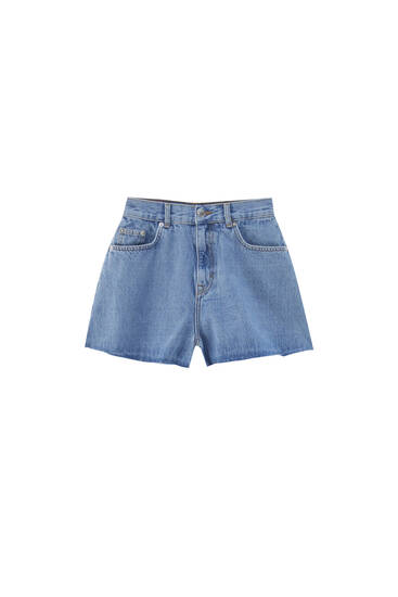 Super high-waisted denim Bermuda shorts - contains recycled cotton