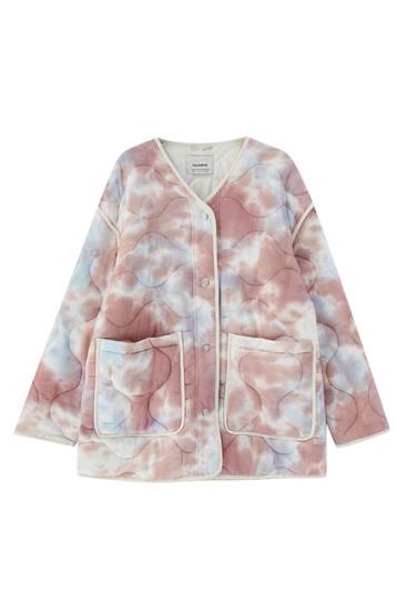 Blusão com tie-dye acolchoado