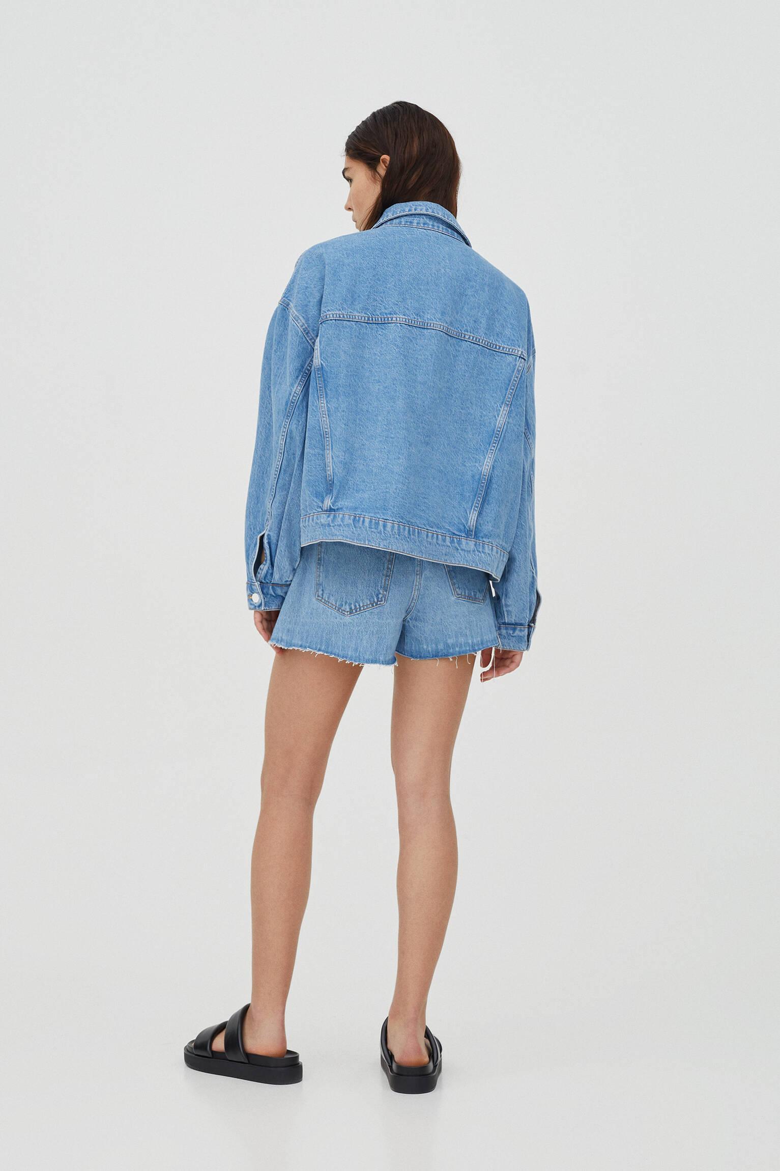 Синяя джинсовая куртка со складками СИНИЙ Pull & Bear