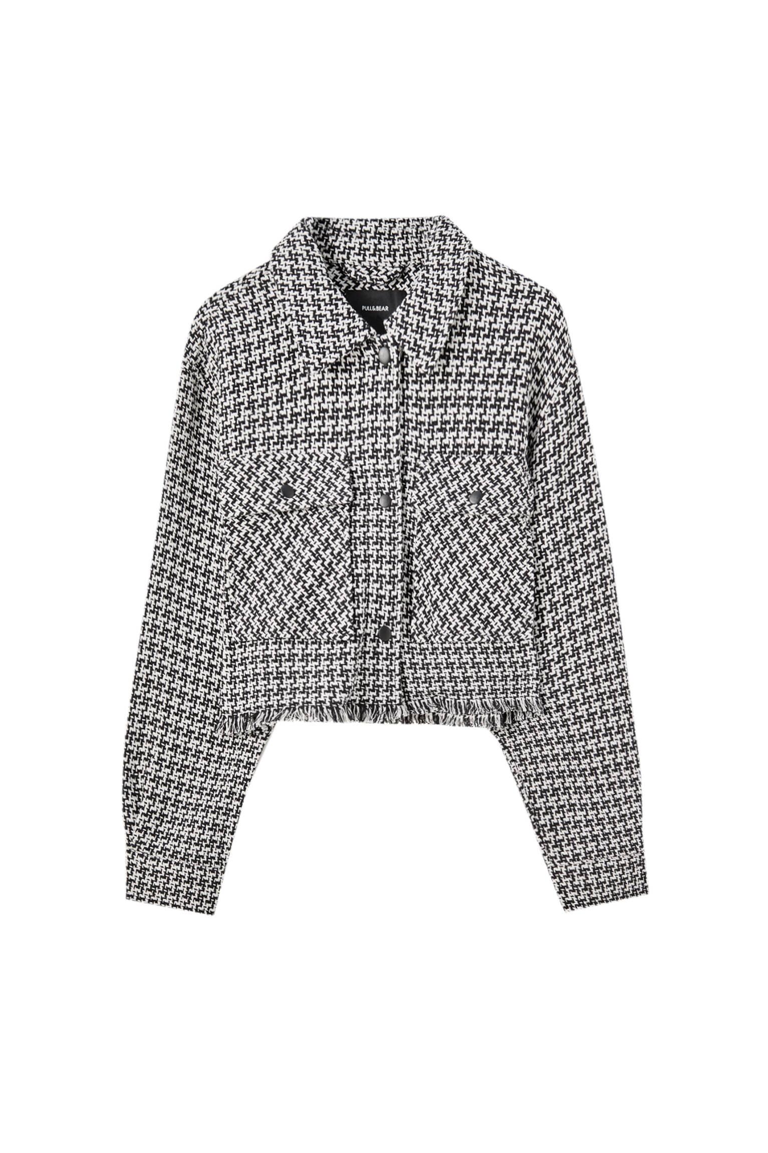 БЕЛЫЙ / ЧЕРНЫЙ Укороченная куртка рубашечного кроя в клетку Pull & Bear