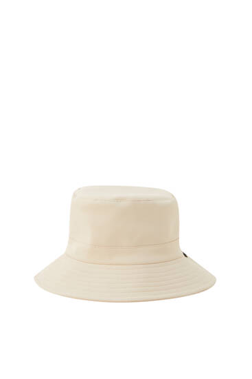 Rubberised bucket hat