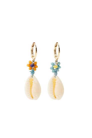 Flower and seashell earrings