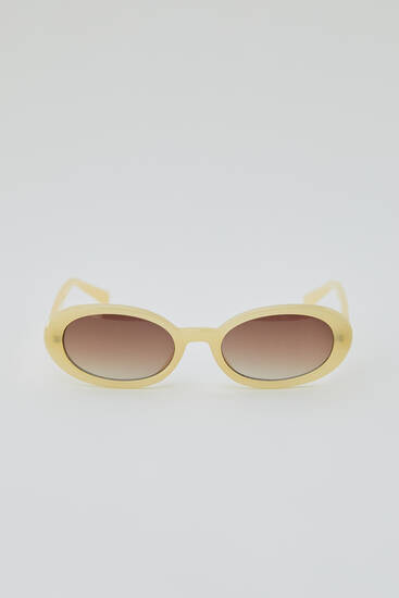 Oval cream sunglasses
