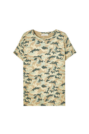 All-over camouflage print T-shirt