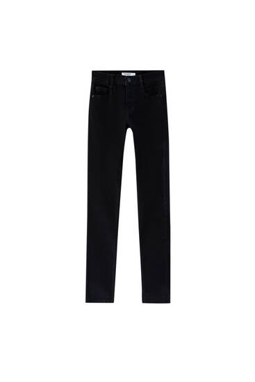 Jeans tiro medio skinny