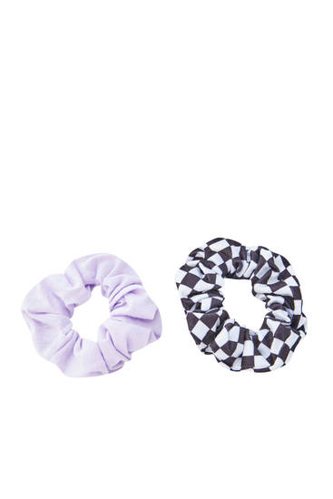 Pack of checked lilac scrunchies