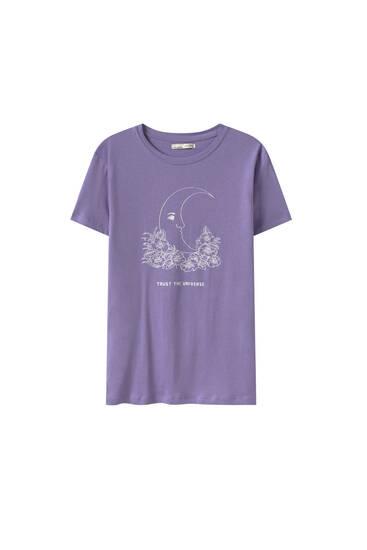 Malvafärgad t-shirt med mångrafik