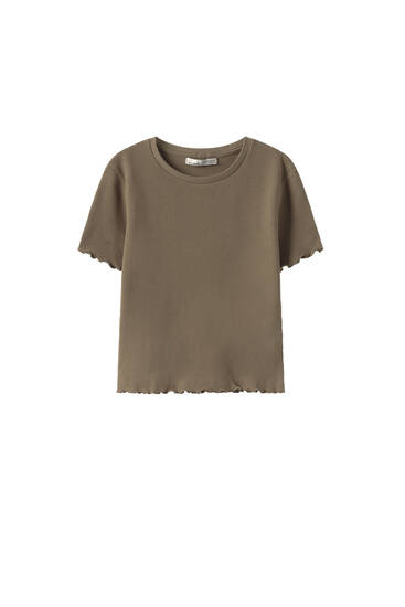 Basic check-texture T-shirt with lettuce-edge trims
