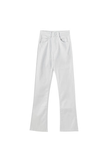 Pantalón coated kick flare