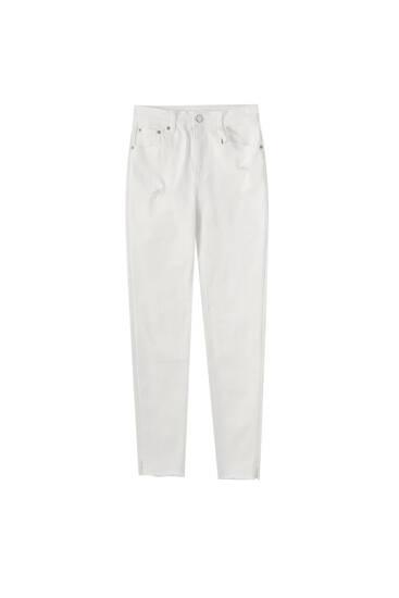 Skinny white capri jeans