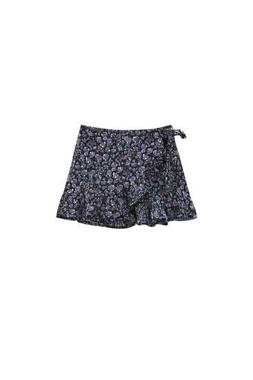 Ruffled floral shorts