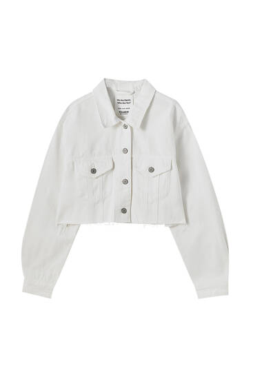 Cropped denim jacket with frayed hem