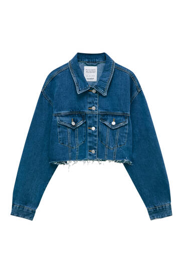 Cropped denim jacket with frayed hem