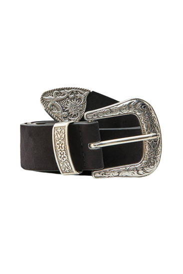 Wide belt with cowboy-style buckle