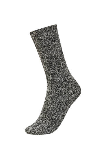 Soft-touch cable-knit socks