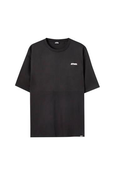 T-shirt branca em tecido mesh