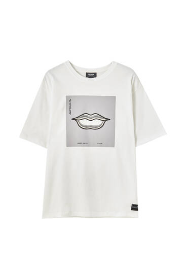T-shirt with mouth illustration