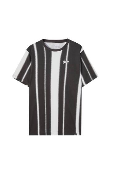 Vertical striped print T-shirt