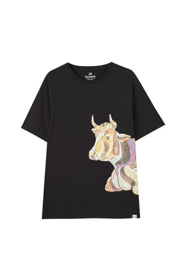 Black T-shirt with cow illustration