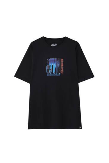 Black T-shirt with city slogan