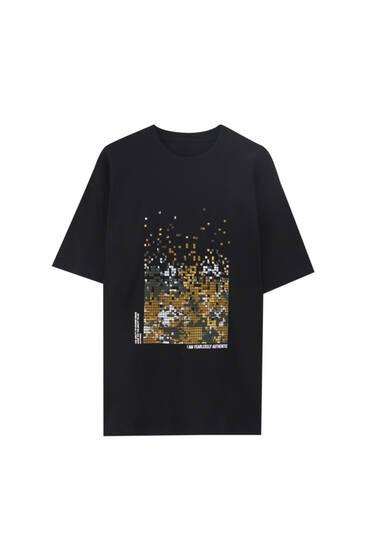 T-shirt med stort kamouflagemönster