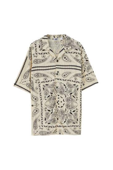 חולצה עם הדפס paisley - מ-100% ויסקוזה ECOVEROTM