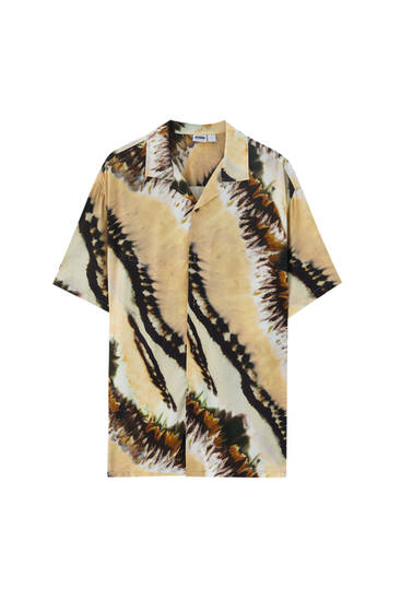 Yellow tie-dye stain shirt
