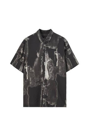 חולצה מוויסקוזה עם שרוולים קצרים והדפס