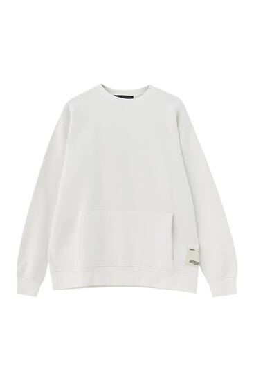 Pouch pocket sweatshirt with sleeve slogan