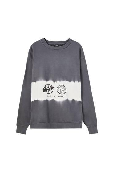 Sweat gris détail tie-dye