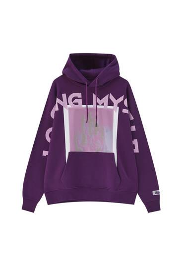Purple pouch pocket sweatshirt with slogan