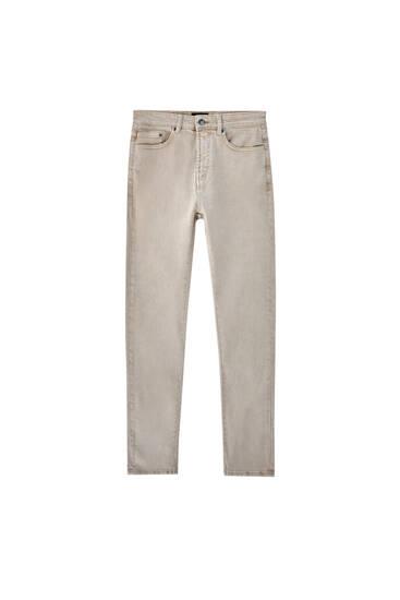 Jeans slim fit às cores