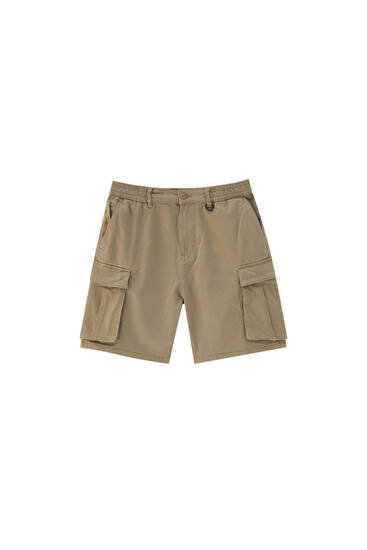 Basic cargo Bermuda shorts with accessory detail