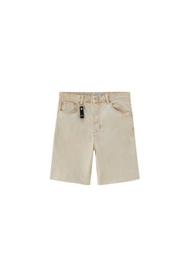 Basic Bermuda shorts. At least 95% ecologically grown cotton